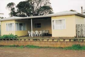 Kirazz House Kingscote